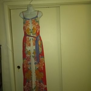 🆕🌞Flying Tomato Floral Maxi Dress